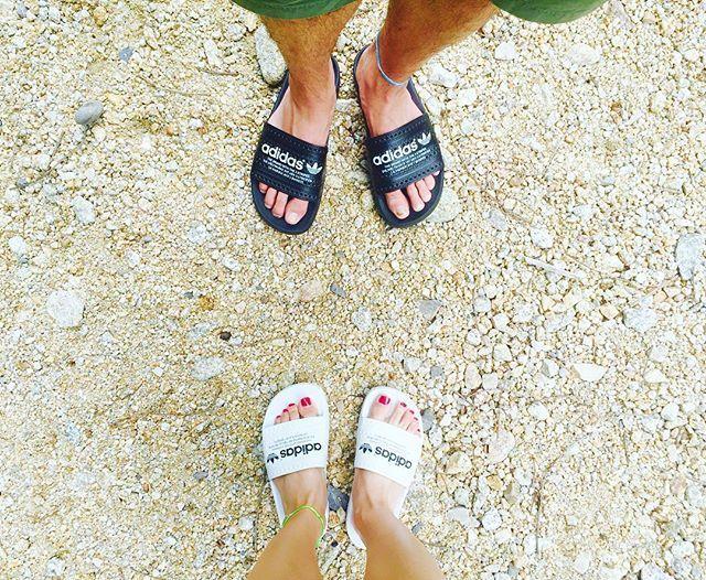 WEBSTA @ shoko_tyd - おそろい #アディレッタ 😎🌴💕・#adidas #アディダス #シャワーサンダル