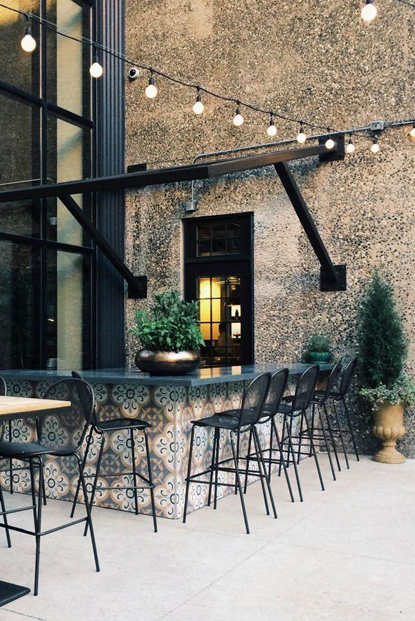 A big home bar!  For more inspirations visit: homedecorideas.eu/ #homedecorideas #luxuryhomes #bardesign