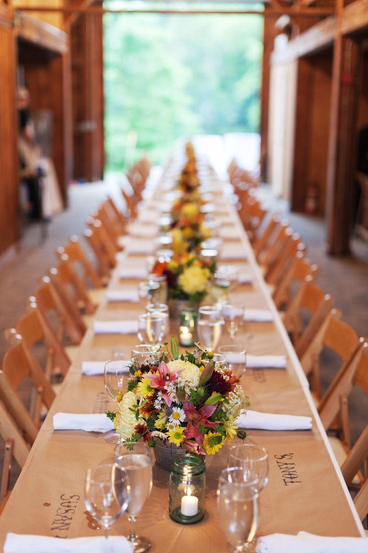 Best 25 white tablecloth ideas on pinterest winter for Wedding dinner table decoration ideas