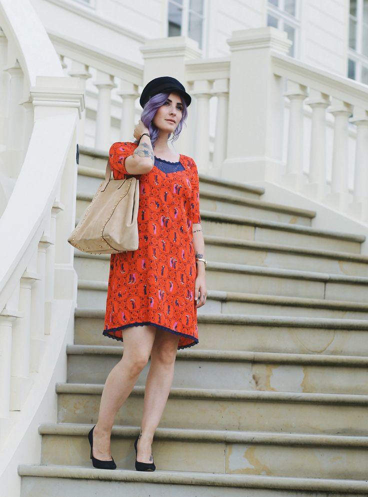 Blutgeschwister Flapper Girl Dress, 20er Jahre Kleid, Knallrot, Vintage Schiffer Mütze, Like A Riot, Fashion Blog, Summer Outfit, Summer Style, Summer Look, Blogger Style, Vic Matie Bag