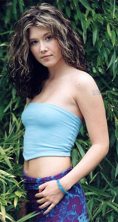 "Jewel Staite, who played Kaywinnit Lee ""Kaylee"" Frye in Firefly and Serenity"