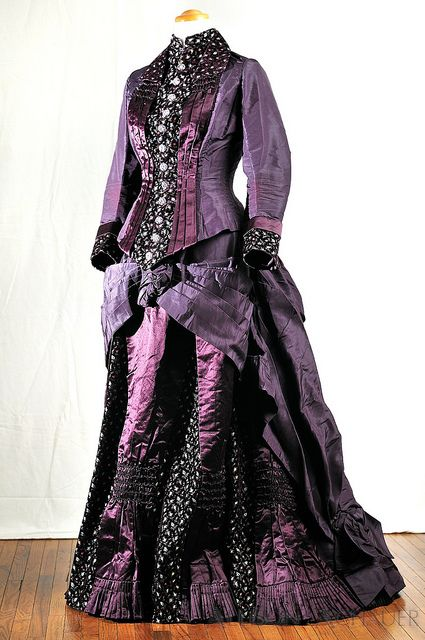 1875 dress found on Allison Achauer's Flickr
