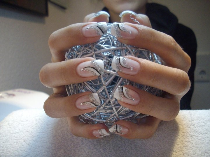 Elegant Nail Art in silver, black and white (French style) ♥