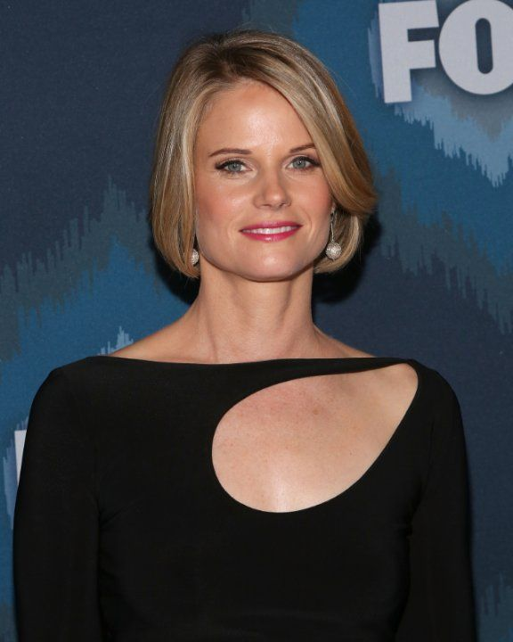 Joelle Carter photos, including production stills, premiere photos and other event photos, publicity photos, behind-the-scenes, and more.