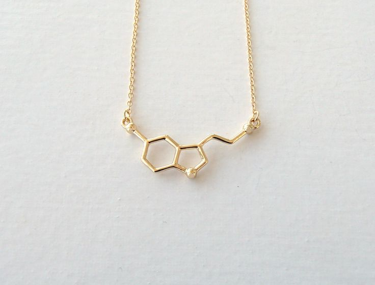 Serotonin Molecule Necklace for Pursuit of Happiness and Wish for Well-being, Unique Nerdy Science DNA Chemical Pendant Necklaces (Gold Tone)