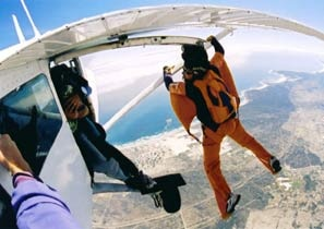 Skydive Cape Town.. how awesome would this be!