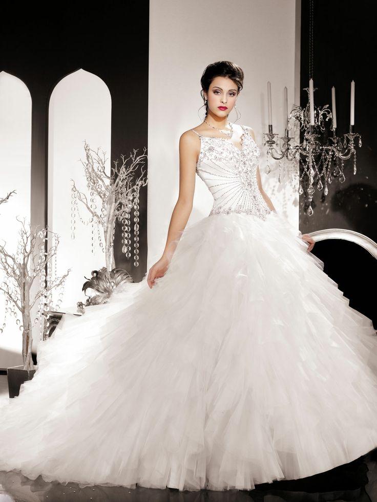 18 best Hochzeitskleid images on Pinterest   Short wedding gowns ...