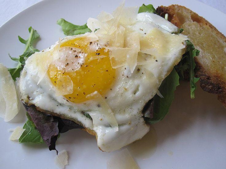 Fresh Starts: Fried Egg Sandwich