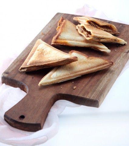 Roti bakar keju saus daging, sarapan istimewa nan lezat. Mari segera lihat resepnya.