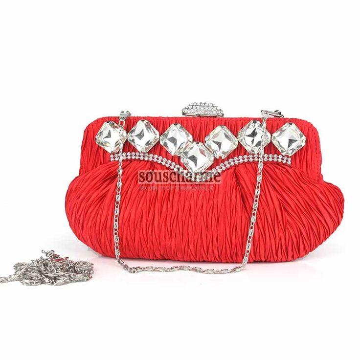Pochette rouge de soirée portefeuille femme pas cher en satin plissée rehaussé de strass