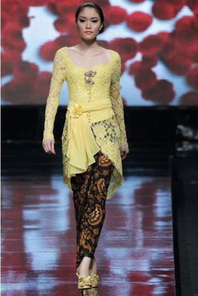 Kebaya Kutubaru dress fashion weeks jakarta