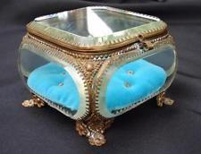 VINTAGE ORMOLU BEVELED GLASS JEWELRY TRINKET BOX CASKET