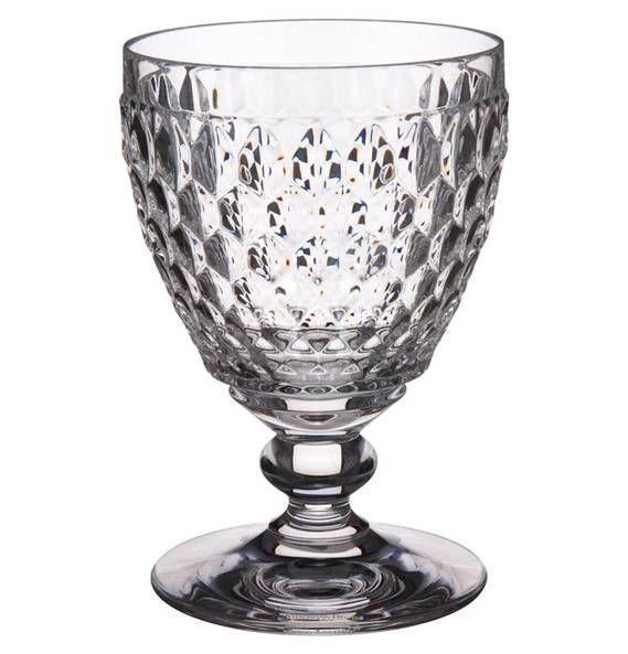 Genuss in funkelnder Formvollendung – das Weißweinglas Boston von Villeroy & Boch. Ein ausdrucksstarkes Facettenmuster und robuste, hochwertige Verarbeitung machen die Glaskollektion Boston von Villeroy & Boch auch im Alltag zu einem attraktiven Blickfang. Dieses Glas bringt Glanz auf Ihren Tisch und sorgt für gut gekühlten Weingenuss am Ende eines ereignisreichen Tages. Gönnen Sie sich einen edlen Tropfen in angemessenem Design. Preis: