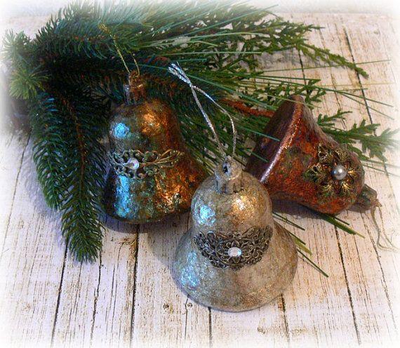 Set di campane di Natale fatti a mano dorate di CarmenHandCrafts