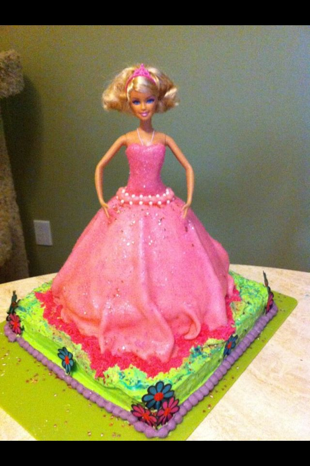 My first attempt at a Barbie cake.  Not bad eh?!
