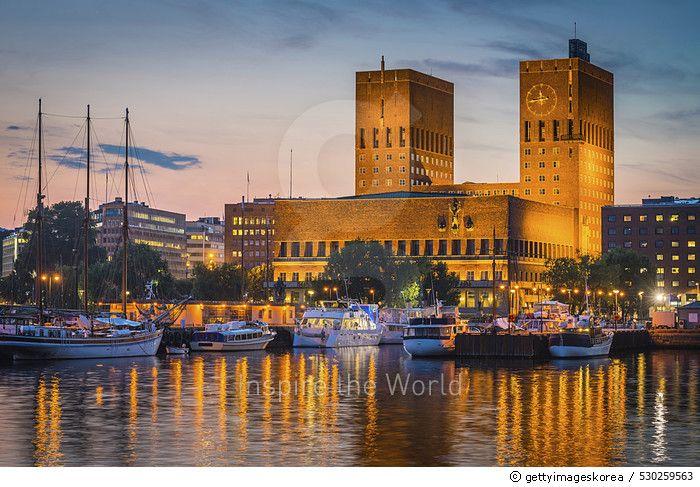 Oslo City Hall landmark towers overlooking illuminated harbour sunset Norway Hafencity in Hamburg, Germany  론리플래닛 선정 2018년 최고의 도시 by 게티이미지코리아 #론리플래닛 #city #cityscape #travel #tourist #게티이미지코리아 #게티이미지 #아이스톡 #게티이미지뱅크 #사진 #포토그래피 #포토그래퍼 #디자이너 #백그라운드 #gettyimages #gettyimageskorea #gettyimagesback #istock #photography #photographer