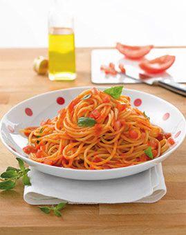 Spaghetti mit frischer Tomatensauce - Rezepte - [LIVING AT HOME]