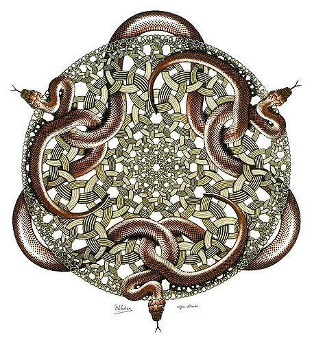https://flic.kr/p/fPDhw | Serpientes | (Grabado en madera, 1969). Esta fue la última obra original de Escher, aprovechando sus últimas fuerzas entre operación y operación quirúrgica. Empleando nuevamente un modelo matemático de Coxeter abarca el infinito tanto hacia el centro como hacia el borde de la imagen. Los anillos metálicos quedan imbricados de formas fantásticas, y de ellos surgen serpientes tridimensionales. La imagen tiene una simetría rotacional y puede girarse 120 grados para…