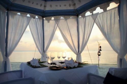 Beautiful: Date Night, Romantic Dinners, Dreams, Romances, Sunsets, Hawaii Vacations, Around The World, Honeymoons, Spa Resorts