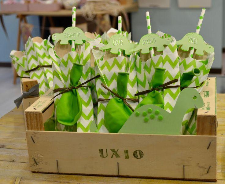 20 best images about cumple on pinterest dinosaur party - Decoracion de cajas ...