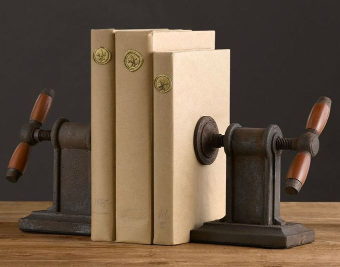 Vise Bookends   Twou0027s Company Set Of 2 Vice Grip Design Bookends Made From  Iron. Handsome Design That Is Great For Any Office Or Home Decor.
