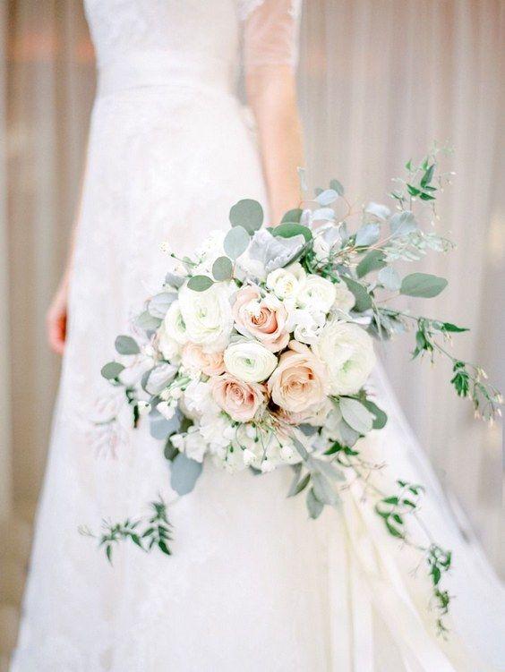 silver dollar eucalyptus bouquet / http://www.deerpearlflowers.com/greenery-eucalyptus-wedding-decor-ideas/3/