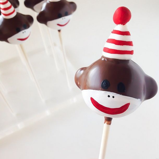Sock Monkey Mania! These little cake pops are so perfect! from Sweet Sticks AU