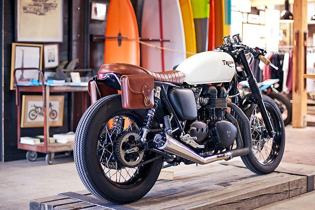 This Triumph Bonneville 900 is from the west coast of the USA, and nicknamed 'The Inlander'. Over the years, it's been subtly upgraded in all areas, from performance to looks. Most recently it's been worked on by Deus' L.A. workshop, which explains the high quality of finish.