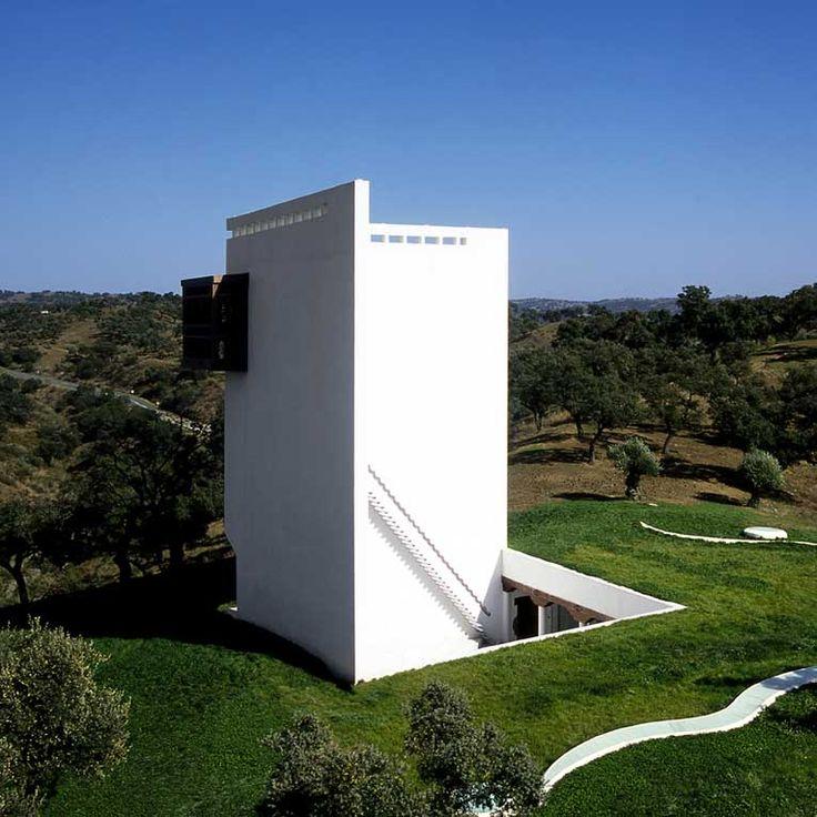 Classic: Cordoba House / Emilio Ambasz