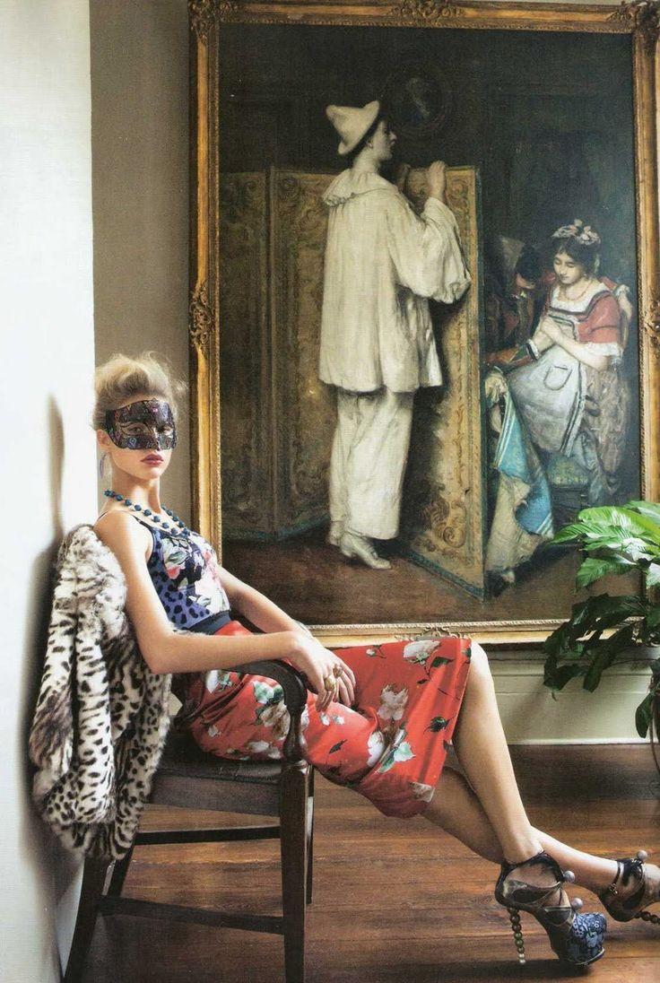 """Keke Lindgard with painting in """"Mezcla Valiente"""" for Vogue España, April 2010. Photograph by Arthur Elgort. """"Bustier de satén con estampado de leopardo y falda de satén de seta, ambos de Dolce &..."""