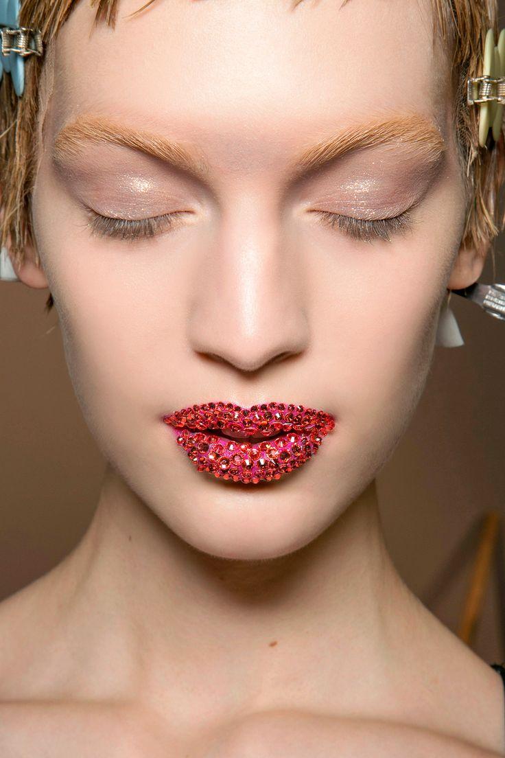 makeup artist resume%0A Pat McGrath     Most Beautiful Runway Makeup Looks