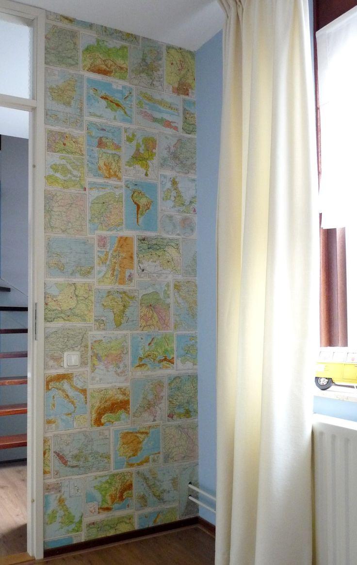 Jaren geleden al uit een woonblad gescheurd en het idee gebruikt op de kinderkamer aan 2 kanten van de deur! Via Marktplaats oude atlassen gekocht, de pagina's netjes uitgesneden en gewoon met behangplaksel tegen de muur geplakt! Superleuk & goedkoop alternatief van behang, 2 van deze muurtjes hebben me aan 3 atlassen en lijm maar zo'n 15 euro gekost!