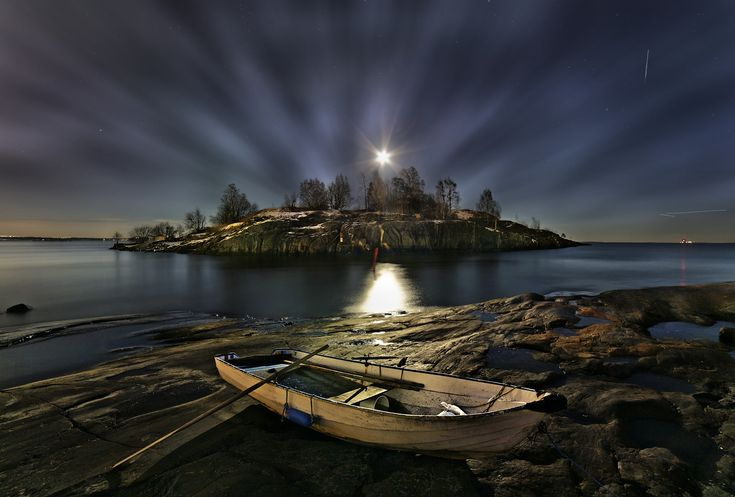 Uunisaari by Night | Discovered from Dream Afar New Tab