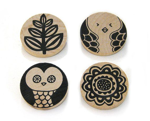 Vintage Wooden brooches. LOVE me some owles