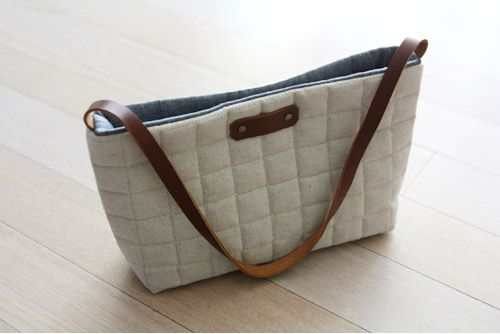 Simple Tote Bag! Love this cute tote! Sewing tutorial.