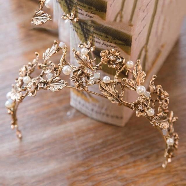Unique Wedding Garter: Unique Bridal Accessories Lace Garter