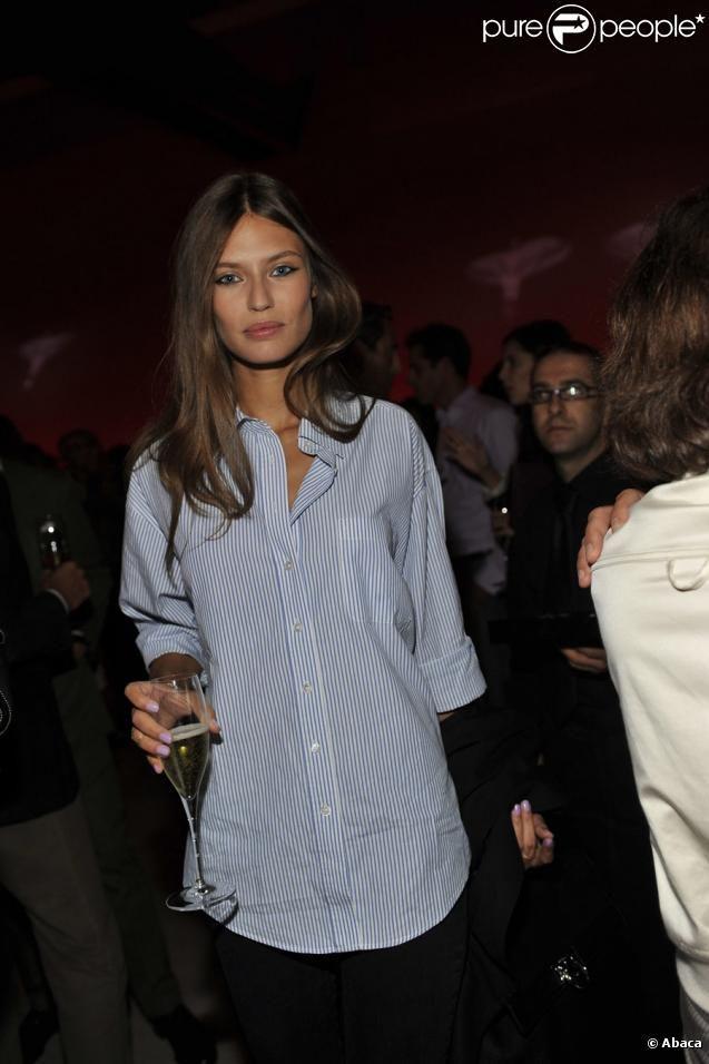 PHOTOS - Bianca Balti lors de la soirée Tod's à la Scala de Milan, le 23…