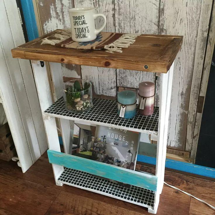 【おうちにあるものでDIY】小物や本も飾れるサイドテーブル作り♫