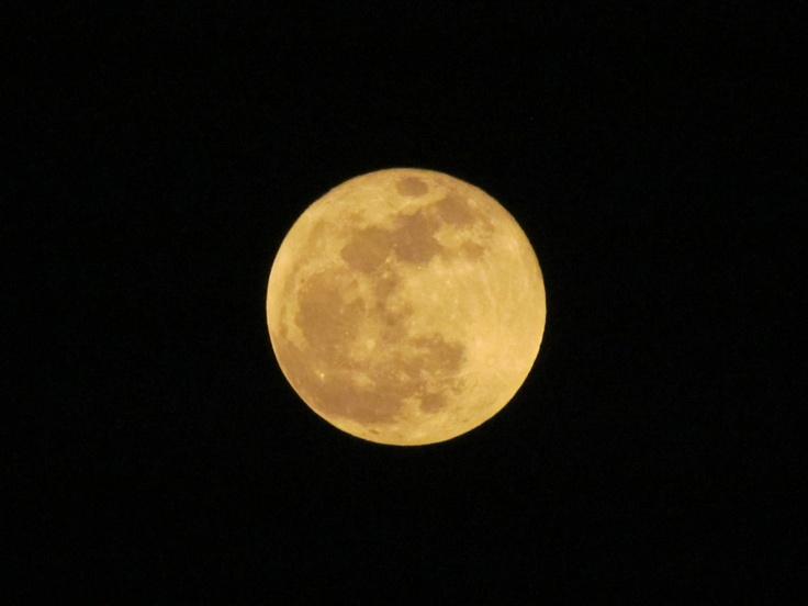 Luna del 28 de Noviembre del 2012 desde Cuernavaca, Morelos.  --- 02