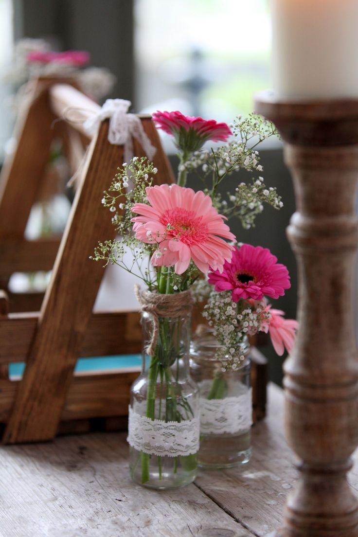 DIY: Pink gerbera flowers in lace jar | roze gerbera in kanten vaasje
