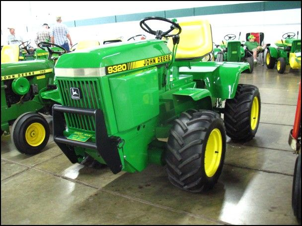 John Deere 4 Wheel Drive Garden Tractor
