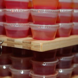 How to Make the Perfect Jell-O Shots  for New Year's Eve
