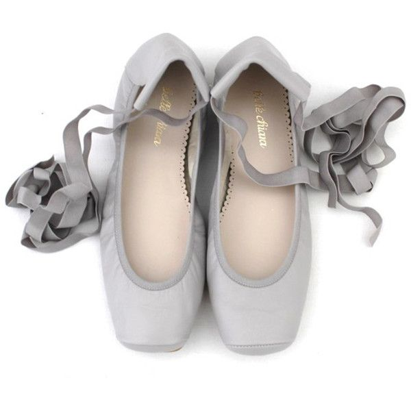 BELLE CHIARA LEATHER PUNTAS BALLET FLATS LIGHT GREY ($105) ❤ liked on Polyvore featuring shoes, flats, ballerina flat shoes, ballet shoes, ballet flat shoes, light grey flats and leather ballet flats shoes