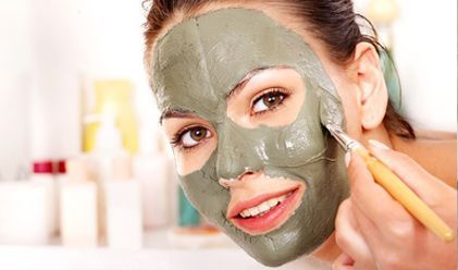 Bon Samedi - Voici des trucs-maison - des recettes de masques pour la peau et le cuir chevelu.  Merci de visiter mon site.  www.frawsy.com  Bonne fin de journée et bisous.