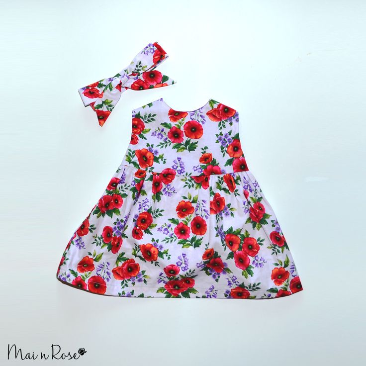 "Our ""Poppies"" dress and headwrap set is a gorgeous little number!Made from 100% cotton, this dress is light and airy and is perfect for your little fashionista.Match it with our bloomers and hat set for a complete look!**Please note - Size 9-12 months Poppies dress has sleeves**[Shipping includes tracking]"