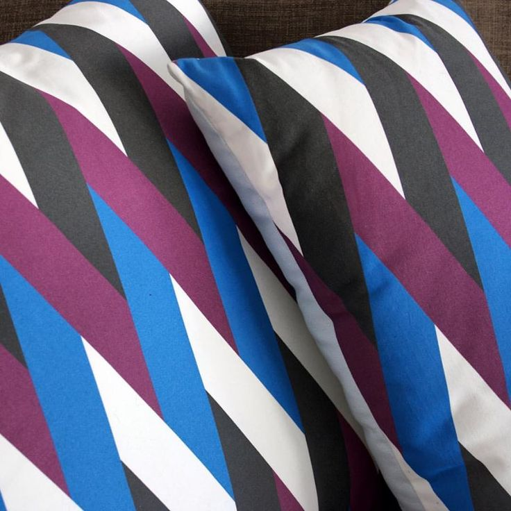 http://siestastudio.tictail.com/product/trenzado-azul-berenjena-50x50