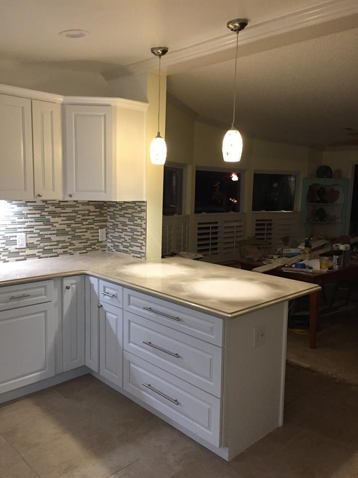 Gramercy White Cabinets With Starlight Sand Quartz