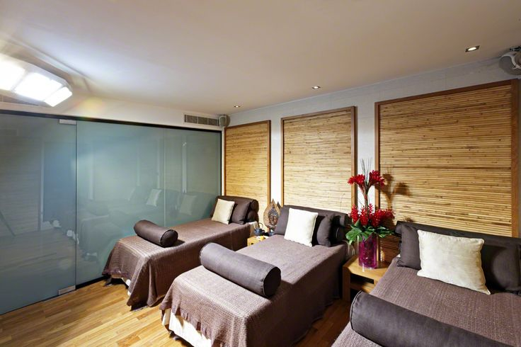 Ajala Spa, St. Paul's is home to London's only commercial Sun Therapy Lounge, which safely and therapeutically replicates natural sunlight using spectrum lighting and infra-red heat for a safe and enjoyable sunbathing experience all year round. Sun Room at Ajala Spa at Grange St.Pauls Hotel, London #Sun #AjalaSpa