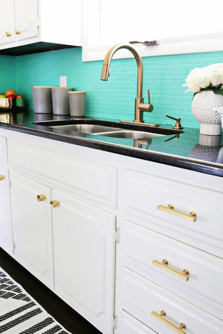 Post: Antes/después – De cocina anticuada a moderna y brillante –-> antes despues deco, blog decoracion interiores, cocinas modernas, cocinas pintadas, cocinas recicladas, diy deco, pintar cocina, pintura baldosas, reforma cocina pintura