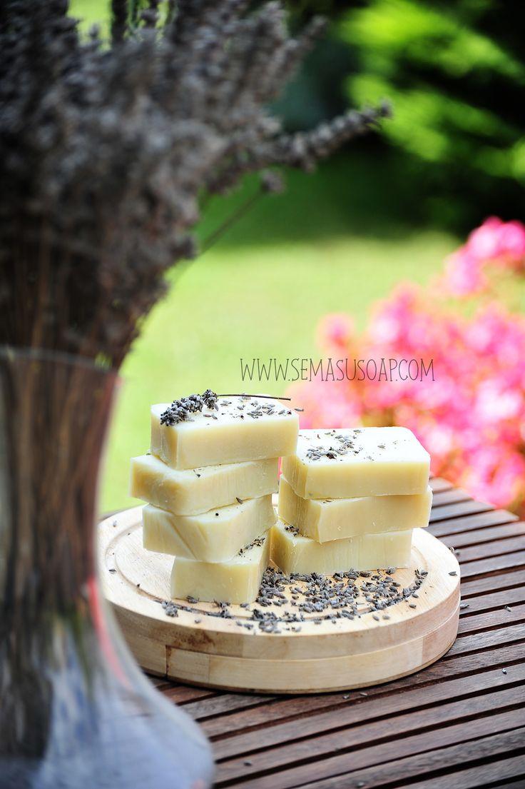 Handmade jasmine soaps making with cold process by Semasu  Photo: www.gizemsisman.com